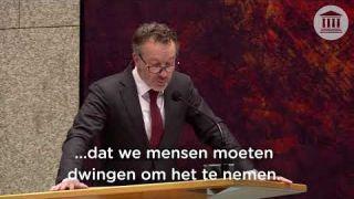 Nederlanders kijken naar de cijfers en geloven niet meer in het falende coronabeleid | 15-04-2021